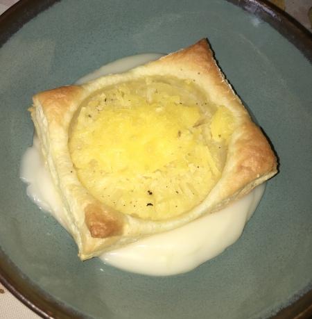 Vegan Pineapple Cheese Puff